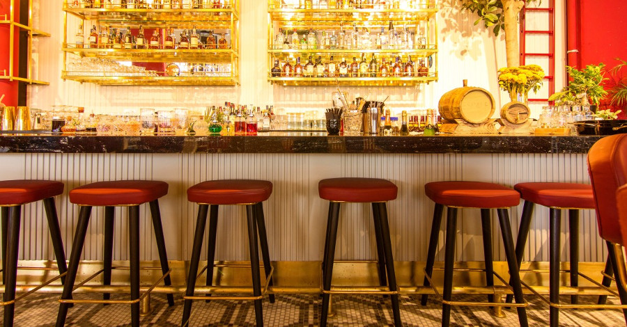 Nielen barové stoličky robia bar barom