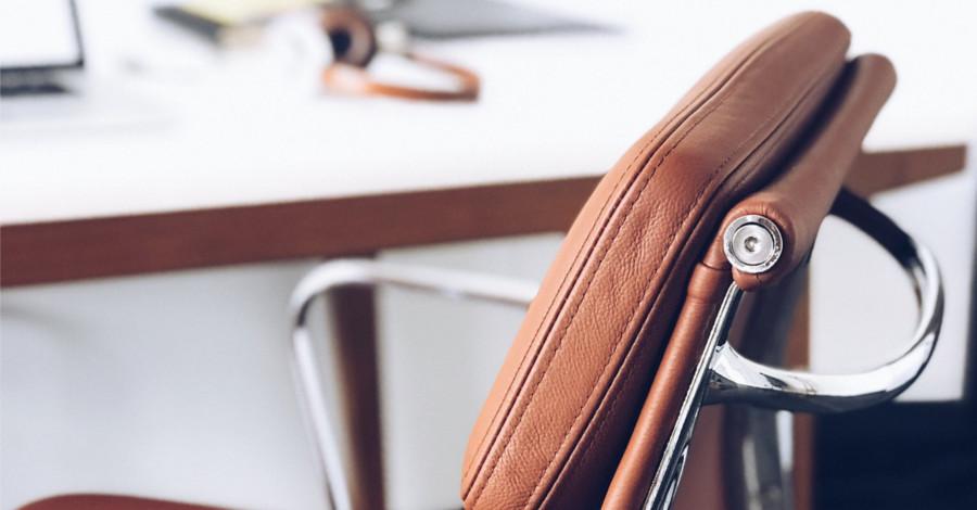 Poradíme vám, ako si vybrať dobrú kancelársku stoličku